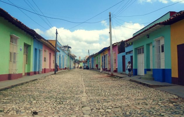 how to travel to cuba on a budget
