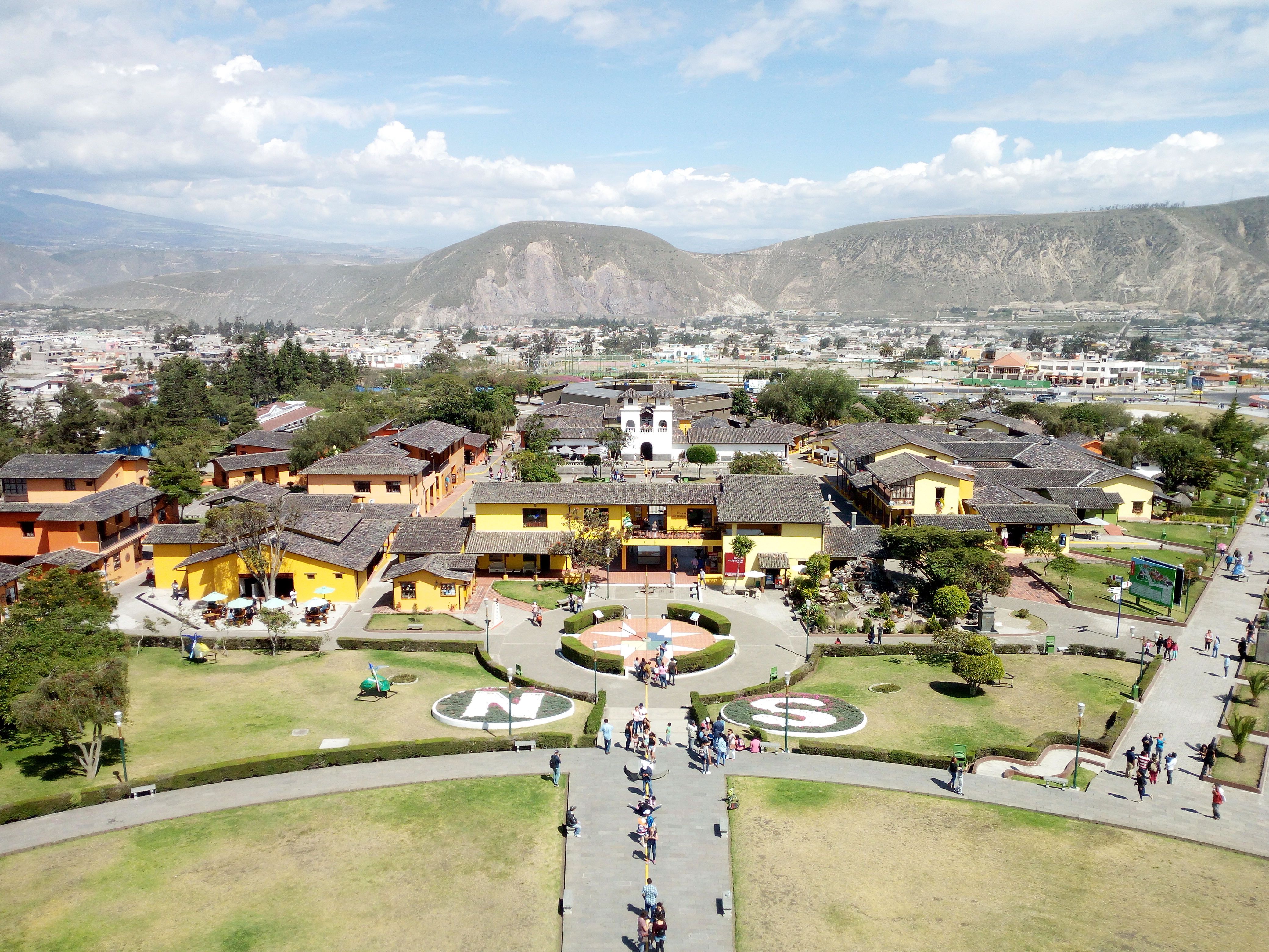 THINGS TO KNOW BEFORE YOU GO TO ECUADOR